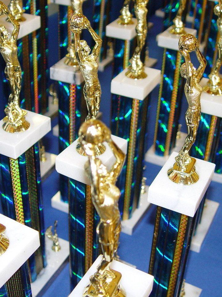 Jak ciekawie wykorzystać trofea i nagrody?